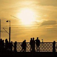 Три товарища Галатский мост :: Дмитрий Близнюченко