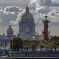 Исаакиевский собор со стрелкой :: Valeriy Piterskiy