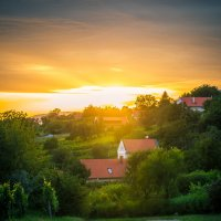 закат в венгерской деревушке :: Любовь Б