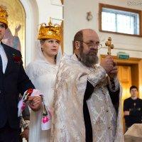Красивое венчание в Перми :: Виталий Гребенников
