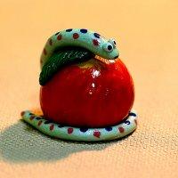 Натюрморт со змеёй :: Валентин Кузьмин