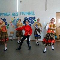 русская плясовая :: Юлия Мошкова