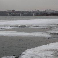 На реке Ангара ледоход :: Андрей