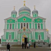 Собор Троицы Живоначальной в Дивеево. :: Виктор Евстратов