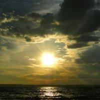 Закатное солнце :: Елена Шемякина