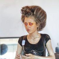 Не слишком макияж для первого свидания ? :: михаил кибирев