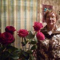 Мила и розы :: Mary Коллар