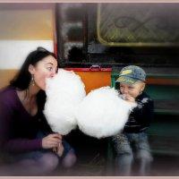 Ощущение детства не проходит никогда ...живет в нас вечно!! :: Людмила Богданова (Скачко)