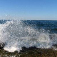 Бьётся волна о берег Байкала . :: Мила Бовкун