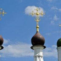 Белые церкви, седые кресты :: Лариса Вишневская