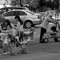 Колесики  города..... :: Валерия  Полещикова