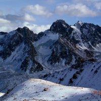 горы. вид на ледник :: Горный турист Иван Иванов