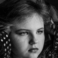 Лиза в черно-белом. :: Елена Мартынова