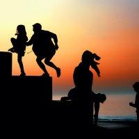 Игры на закате :: Sergey Andronov