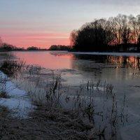 Река освобождаясь от оков... :: Юрий Морозов
