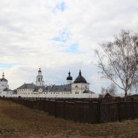 Остров-град Свияжск вид на Успенский богородицкий монастырь :: Damir Si