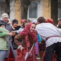 Красная горка :: Владимир Голиков