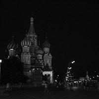Ночная площадь :: Дмитрий Вдовин