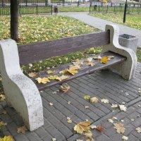 Одинокая скамейка. :: Владимир Левый