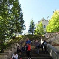 уставшие туристы в замке Нойшванштайн :: Сергей Цветков