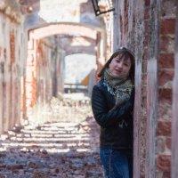 в разрушенных зданиях :: Александра Кротикова