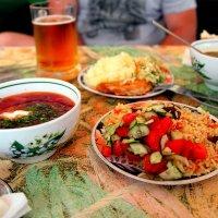 Летний комплексный обед :: Ирина Фирсова