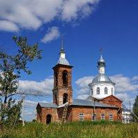 Село Лучинское  Церковь Святителя Николая Мирликийского :: Евгений Жиляев