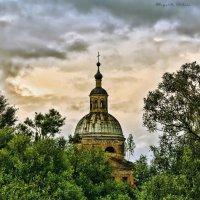 У заброшенного храма... :: Маргарита Волкова