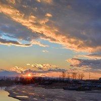 Апрельский закат :: Поток