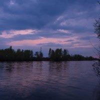 Пурпурный закат в отражении реки... :: Ксения Довгопол
