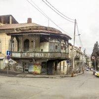 Из окна авто. Улочки Тбилиси. :: Алексей Окунеев