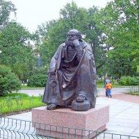 Скульптура небесного покровителя Петербурга Святого Петра.Ск. М.Дронов :: alemigun