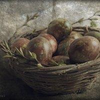 Пасхальная корзинка с рисунком ангела на яйце. :: Елена Kазак