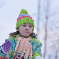 Последние снежки.. :: Лариса Красноперова