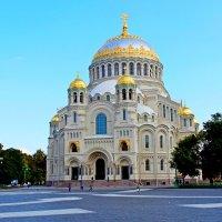Храм в Кронштадте :: Andrey Krushinin