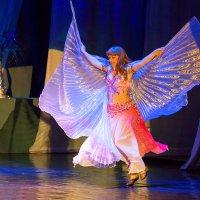 Танцовщица :: Александр Неустроев