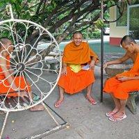 Лаос. Вьентьян. Монахи (2) :: Владимир Шибинский