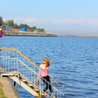 Девушка у воды :: Андрей Krushinin