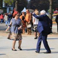 Танцы в Сокольниках :: Сергей Галкин