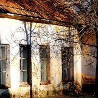 Стена старой больницы :: Фотогруппа Весна.