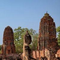 Будда храма Махатхат :: Евгений Печенин
