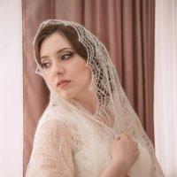 Невеста в Оренбургском пуховом платке :: Андрей Липов