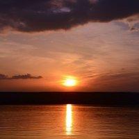 Закат на Каме :: Валерий Рыжов
