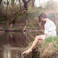 Девушка у реки :: Mila Svetoch
