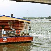 Ресторан на воде :: Дарья Халявина