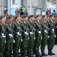 В ожидании тренировки парада. :: Иван Янковский