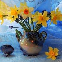 Первые нарциссы в эту весну на моем окне. :: Павлова Татьяна Павлова