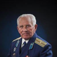 *** :: Николай Хондогий