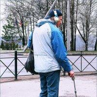Человек с металлоискателем :: Фотогруппа Весна.