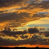 Вечернее небо после грозы :: Alexander Andronik